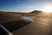Damjan Zubovnik op de vierde racedag. In Battle Mountain (Nevada) wordt ieder jaar de World Human Powered Speed Challenge gehouden. Tijdens deze wedstrijd wordt geprobeerd zo hard mogelijk te fietsen op pure menskracht. Ze halen snelheden tot 133 km/h. De deelnemers bestaan zowel uit teams van universiteiten als uit hobbyisten. Met de gestroomlijnde fietsen willen ze laten zien wat mogelijk is met menskracht. De speciale ligfietsen kunnen gezien worden als de Formule 1 van het fietsen. De kennis die wordt opgedaan wordt ook gebruikt om duurzaam vervoer verder te ontwikkelen.<br /> <br /> Damjan Zubovnik on the fourth racing day. In Battle Mountain (Nevada) each year the World Human Powered Speed ??Challenge is held. During this race they try to ride on pure manpower as hard as possible. Speeds up to 133 km/h are reached. The participants consist of both teams from universities and from hobbyists. With the sleek bikes they want to show what is possible with human power. The special recumbent bicycles can be seen as the Formula 1 of the bicycle. The knowledge gained is also used to develop sustainable transport.