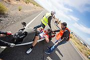 Ken Buckley na de ochtendrun op de derde dag van de races. In Battle Mountain (Nevada) wordt ieder jaar de World Human Powered Speed Challenge gehouden. Tijdens deze wedstrijd wordt geprobeerd zo hard mogelijk te fietsen op pure menskracht. Het huidige record staat sinds 2015 op naam van de Canadees Todd Reichert die 139,45 km/h reed. De deelnemers bestaan zowel uit teams van universiteiten als uit hobbyisten. Met de gestroomlijnde fietsen willen ze laten zien wat mogelijk is met menskracht. De speciale ligfietsen kunnen gezien worden als de Formule 1 van het fietsen. De kennis die wordt opgedaan wordt ook gebruikt om duurzaam vervoer verder te ontwikkelen.<br /> <br /> In Battle Mountain (Nevada) each year the World Human Powered Speed Challenge is held. During this race they try to ride on pure manpower as hard as possible. Since 2015 the Canadian Todd Reichert is record holder with a speed of 136,45 km/h. The participants consist of both teams from universities and from hobbyists. With the sleek bikes they want to show what is possible with human power. The special recumbent bicycles can be seen as the Formula 1 of the bicycle. The knowledge gained is also used to develop sustainable transport.