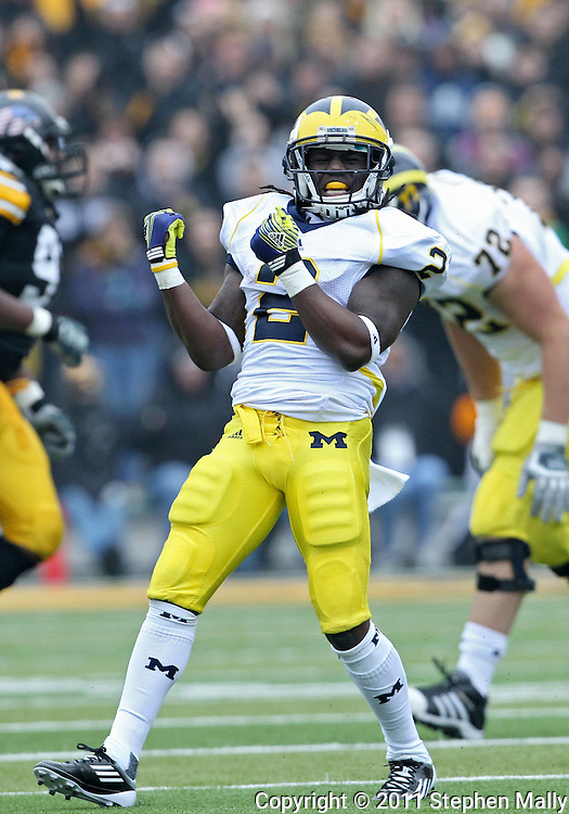 November 05, 2011: Michigan Wolverines running back Vincent Smith (2) is pumped up after a play during the second quarter of the NCAA football game between the Michigan Wolverines and the Iowa Hawkeyes at Kinnick Stadium in Iowa City, Iowa on Saturday, November 5, 2011. Iowa defeated Michigan 24-16.