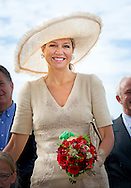 29-8-2015 AMSTERDAM - Koningin Máxima ontmoet Veerle Maas . Koningin Máxima is zaterdag 29 augustus bij de Ambassadeursdagen van Stichting Opkikker die dit jaar haar twintigjarig jubileum viert in het nemo in Amsterdam . COPYRIGHT ROBIN UTRECHT <br /> 29-8-2015 AMSTERDAM - Queen Máxima is Saturday, August 29th at the Ambassador Days 'cheer up' Stichting Opkikker  which this year celebrates its twentieth anniversary. COPYRIGHT ROBIN UTRECHT