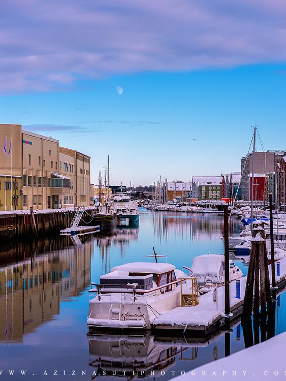 Kanalen er en kanal i Trondheim. Den går inn fra Trondheimsfjorden øst for Skansen og går i nordøstlig og østlig retning mot Nidelva. Kanalen går sør for Brattøra og nord for Midtbyen og består av Vestre kanalhavn vest for Ravnkloa, Østre kanalhavn fra Ravnkloa til Jernbanebrua og Gryta mellom Jernbanebrua og Nidelva.