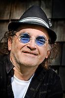 Headshot/portrait of Eric Sommer.