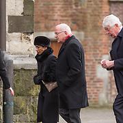NLD/Utrecht/20140215 - Herdenkingsdienst Els Borst in de Domkerk, Oud premier Wim Kok en Gerrit Zalm met partner Lydia Brouwer - van Gonzenbach