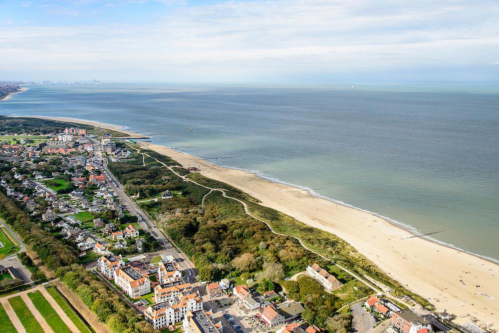 Nederland, Zeeland, Zeeuws-Vlaanderen, 19-10-2014;<br /> Cadzand (Cadzand-bad), badplaats met Noordzeestrand.<br /> Cadzand beach.<br /> luchtfoto (toeslag op standard tarieven);<br /> aerial photo (additional fee required);<br /> copyright foto/photo Siebe Swart