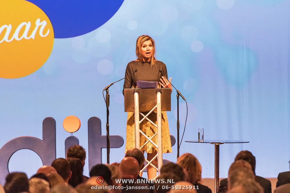 NLD/Amersfoort/20190305  - Koningin Maxima bij jubileumsymposium Qredits , Koningin Maxima  spreekt het publiek toe