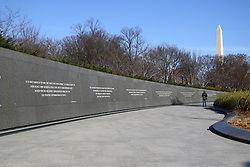 "THEMENBILD - Die ""Wand der Zitate"" sind zwei je 70 Meter langen Mauern aus poliertem dunklem chinesischem Granit, in die 14 Zitate Martin Luther Kings aus seinen Reden und Predigten eingemeisselt sind. Reisebericht, aufgenommen am 14. Jannuar 2016 in Washington D.C. // The ""wall of words"" are two 70-meter-long walls of polished dark Chinese granite, are chiselled into the 14 quotes from Martin Luther King's speeches and sermons his. Travelogue, Recorded January 14, 2016 in Washington DC. EXPA Pictures © 2016, PhotoCredit: EXPA/ Eibner-Pressefoto/ Hundt<br /> <br /> *****ATTENTION - OUT of GER*****"