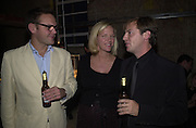 Yoo party. Hall Rd. London NW8. 28 September 2000. © Copyright Photograph by Dafydd Jones 66 Stockwell Park Rd. London SW9 0DA Tel 020 7733 0108 www.dafjones.com<br />