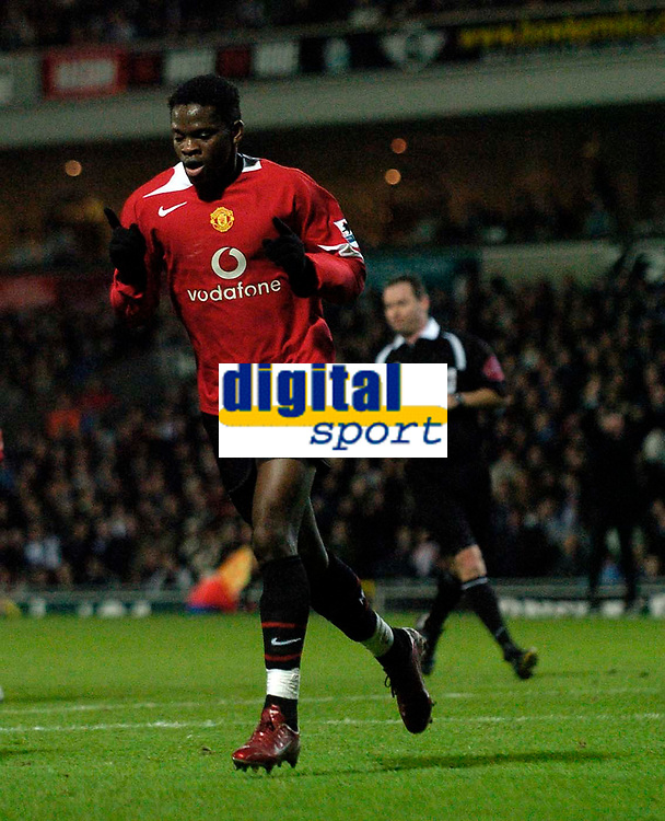 Photo: Jed Wee.<br /> Blackburn Rovers v Manchester United. Carling Cup. Semi Final, 1st Leg. 11/01/2006.<br /> <br /> Manchester United's Louis Saha celebrates.