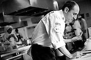 Belo Horizonte_MG, Brazil, 17th June 2009...Pacco Perez analiza uma receita nos inicios dos trabalhos para cozinhar no evento Sabor e Saber, na cozinha da universidade Estacio de Sa....PHOTO: BRUNO MAGALHAES / NITRO