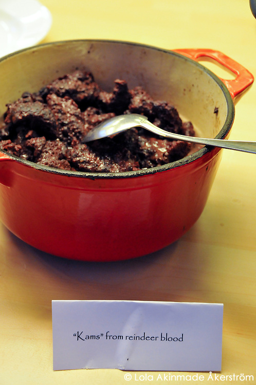 Kams made from reindeer blood
