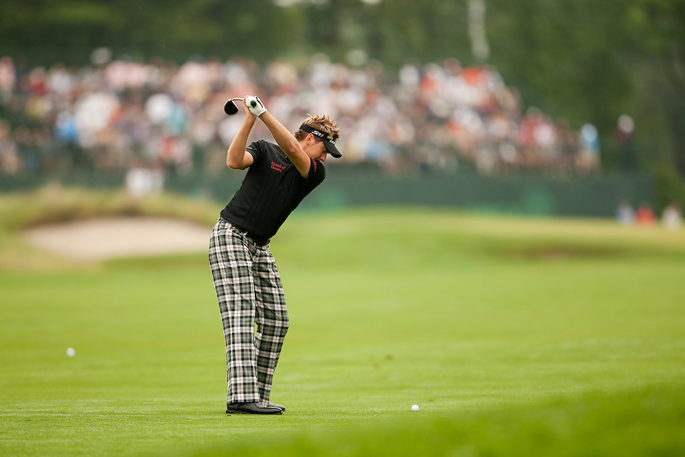 FARMINGDALE, NY - JUNE 19:  Ian Poulter hits his shot during the continuation of the first round of the 109th U.S. Open Championship on the Black Course at Bethpage State Park on Friday, June 19, 2009. (Photograph by Darren Carroll) *** Local Caption *** Ian Poulter