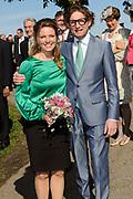 Koninginnedag 2012 in de Utrechtse gemeente Rhenen.// Queensday 2012 in the city of Rhenen.<br /> <br /> Op de foto:  Prins Bernhard en Prinses Annette