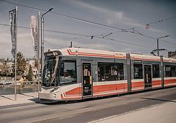 THEMENBILD - die Straßenbahn (Tram) in Gmunden, aufgenommen am 24. April 2019 in Gmunden, Oesterreich // the tram in Gmunden, Austria. EXPA Pictures © 2019, PhotoCredit: EXPA/ Stefanie Oberhauser