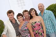 Najaarspresentatie Talpa in Studio 1 op het Mediaterrein in Hilversum.<br /> <br /> Op de foto:<br /> <br />  Steye van Dam , Vivienne van den Assem , Miryanna van Reeden , Ruben van der Meer en Beau van Erven Dorens ( Man Et Paard , serie van TAlpa )