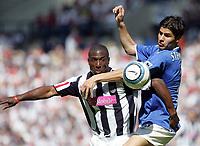 Photo: Paul Thomas, Digitalsport West Bromwich Albion v Portsmouth, The Hawthorns, Birmingham, Barclays Premiership, 15/05/2005. Kevin Campbell and Dejan Stefanovic.