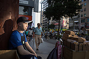 Kieu Van Dao sells cookies in downtown Taipei to make extra money for his living costs. <br /> In August of 2103, he was burned in a factory accident. Unable to work his boss eventually cut off his salary leading Kieu to take legal action. The summer heat makes wearing his pressure garment extremely uncomfortable and most days he is drenched in sweat just from sitting.