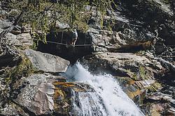 THEMENBILD, der Stuibenfall ist der größte Wasserfall in Tirol. Auf einem Wege- und Plattformsystem kommt man dem Wasserfall sehr nahe. Ein Klettersteig führt entlang des Wasserfall,.aufgenommen am 01. Oktober 2021, Umhausen, Österreich // the Stuibenfall is the largest waterfall in Tyrol. You can get very close to the waterfall on a system of paths and platforms. A via ferrata leads along the waterfall on 2021/10/01, Umhausen, Austria. EXPA Pictures © 2021, PhotoCredit: EXPA/Stefanie Oberhauser