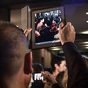 Il Quinto giorno della Settimana della Moda a Milano: tablet usato per fotografare<br /> <br /> The fifth day of Milan Fashion Week: tablet used to photograph