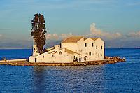 Grece, iles Ioniennes, Corfou, Kanoni, monastere Vlacherna // Greece, Ionian island, Corfu island, Kanoni, Vlacherna Monsatery