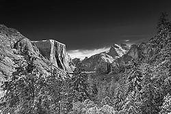 Tunnel view, Yosemite, Black and White.  A fresh winter snow on Yosemite Valley
