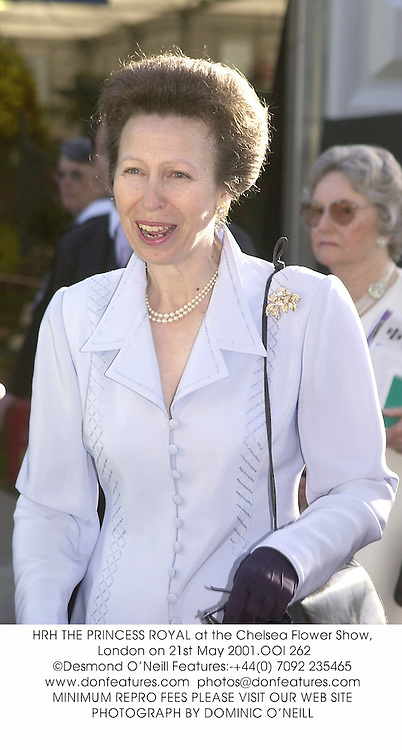HRH THE PRINCESS ROYAL at the Chelsea Flower Show, London on 21st May 2001.OOI 262