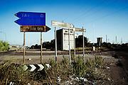 Indicazioni stradali alle porte di Taranto. Christian Mantuano/OneShot