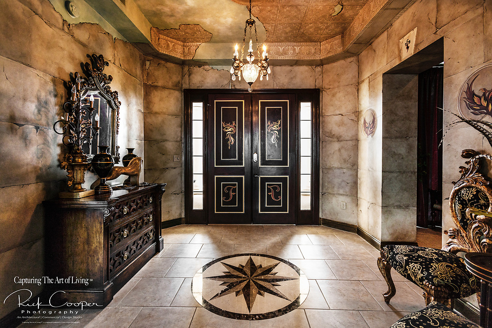 Eclectic Residential Foyer With Faux Painting