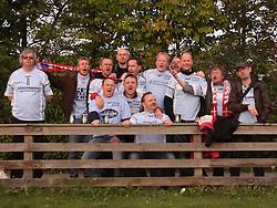 FODBOLD: Glade Helsingør fans efter kampen i Ekstra Bladet Cup mellem B73, Slagelse og Elite 3000 Helsingør den 26. maj 2010 på Stadion Vest, Slagelse. Foto: Claus Birch