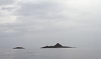 Small islands in Buefjorden, Sogn og Fjordane - småøyer, holmer