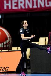 19-12-2015 DEN: World Championships Handball 2015 Training Oranje, Herning<br /> Na een rustige training werd er een persmoment gehouden / Yvette Broch #13