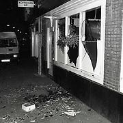 NLD/Hilversum/19910105 - Bomaanslag Turks koffiehuis Rif Leeuwestraat Hilversum met een handgranaat, onderzoek technische recherche