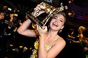 NFF - Nederlands Filmfestival - uitreiking van de Gouden Kalveren in Tivolli Utrecht.<br /> <br /> op de foto:  Beste Actrice Abbey Hoes met haar gouden kalf voor haar rol in Nena
