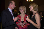 The Duke of Kent, Dillie Keane? and Selina Scott. Farm Aid. Royal Albert Hall. 18 April 2001. © Copyright Photograph by Dafydd Jones 66 Stockwell Park Rd. London SW9 0DA Tel 020 7733 0108 www.dafjones.com