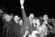 """Seán Dunphy returns to Dublin Airport from Vienna after taking second place in the Eurovision Song Contest with the song """"If I Could Choose"""". Dunphy invites the thousands of fans lining the balconies at Dublin Airport to join him in singing """"If I Could Choose""""..10.04.1967"""