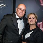 NLD/Amsterdam/20161213 - Inloop gasten The Roast of Gordon, Daniel Dekker en partner Carla Versloot