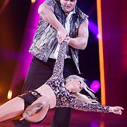 NLD/Hilversum/20130202 - 6de liveshow Sterren Dansen op het IJs 2013, Jarno Harms  en schaatspartner Katy Stainsby
