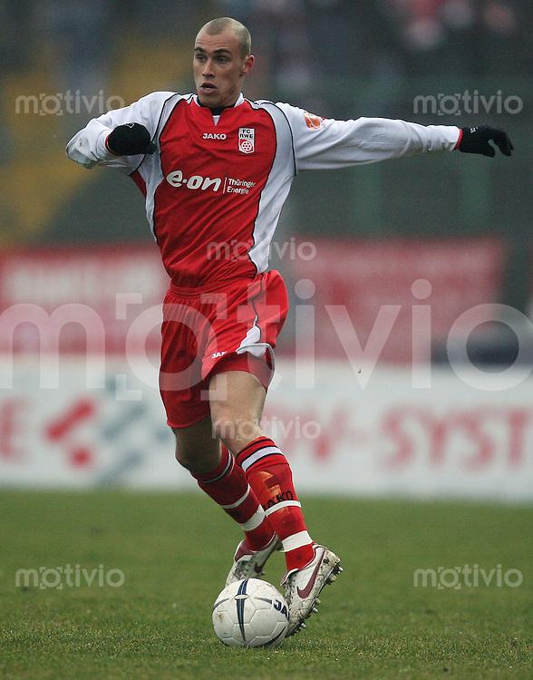 Erfurt , 100207 , Fussball Regionalliga Nord FC Rot Weiss Erfurt - LR Ahlen  Daniel BRUECKNER (Erfurt) am Ball
