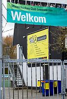LEEUWARDEN  - Ook  de hockeyvelden van de Mixed Hockey Club Leeuwarden   zijn verboden terrein  ivm Coronavirus. COPYRIGHT KOEN SUYK