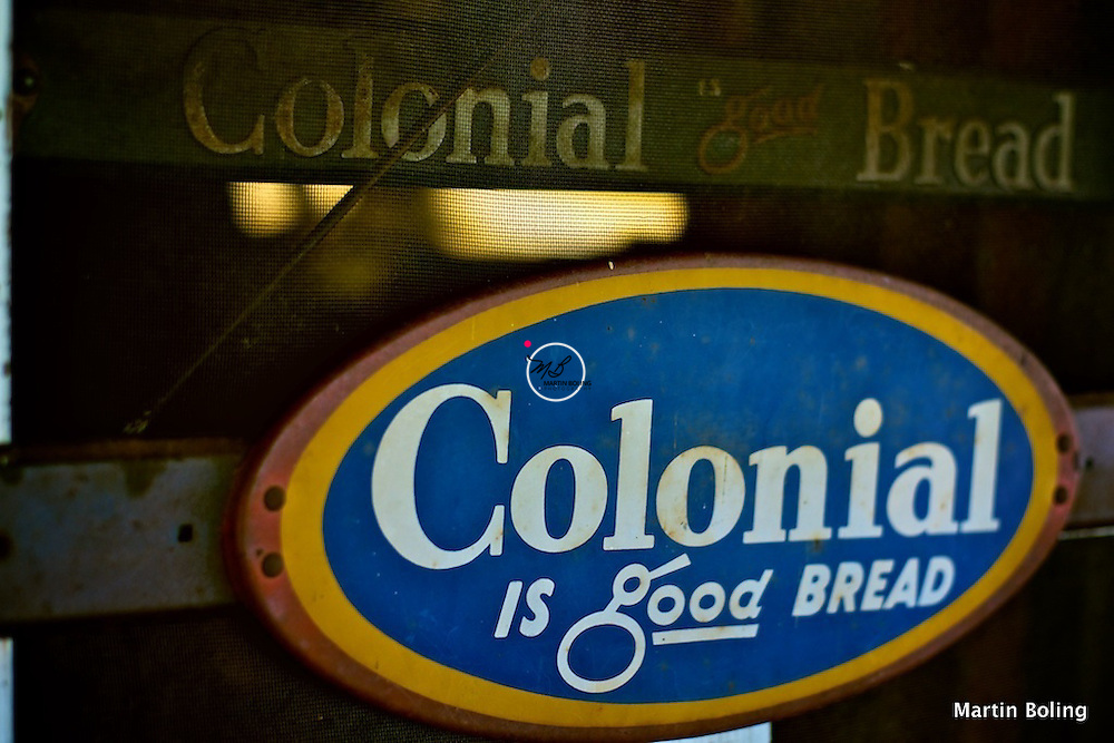 Colonial Bread is Good Bread Sign