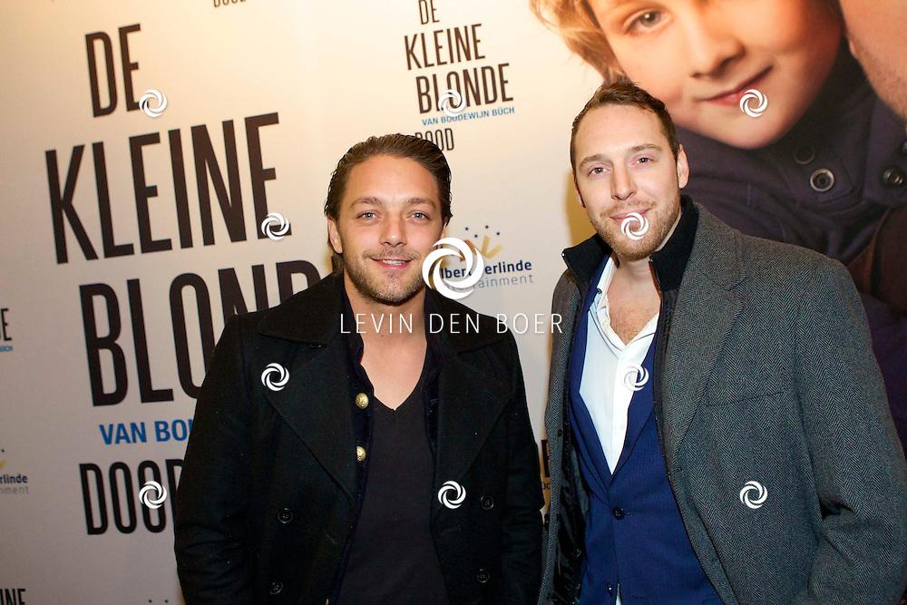DEN HAAG - De premiere van 'De Kleine Blonde Dood'. Met hier op de foto  Tommie Christiaan en een vriend. FOTO LEVIN DEN BOER - PERSFOTO.NU