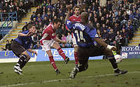 GILLINGHAM VS NOTTINGHAM FOREST<br />6TH MARCH 2004<br />H FOREST'S NICK BARMBY SCORES THE FIRST<br />Picture Ady Kerry