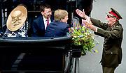 DUIVEN - Koning Willem-Alexander en koningin Maxima tijdens hun bezoek aan Duiven in Gelderland. Het koninklijk paar bezoekt, in het teken van de 'royal tour', de aankomende tijd de 12 provincies. ANP HANDOUT ROYAL IMAGES KOEN VAN WEEL **NO ARCHIVES NO SALES**