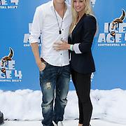NLD/Haarlem/20120627 - Filmpremiere Ice Age 4, Tim Douwsma en partner Marit Nicolai