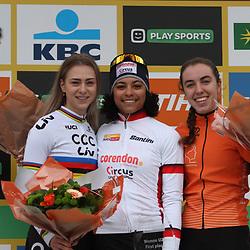 26-12-2019: Wielrennen: Wereldbeker veldrijden: Zolder: Ceylin Alvarado wint bij de beloften voor Inge van der Heijden en Shirin van Anrooij