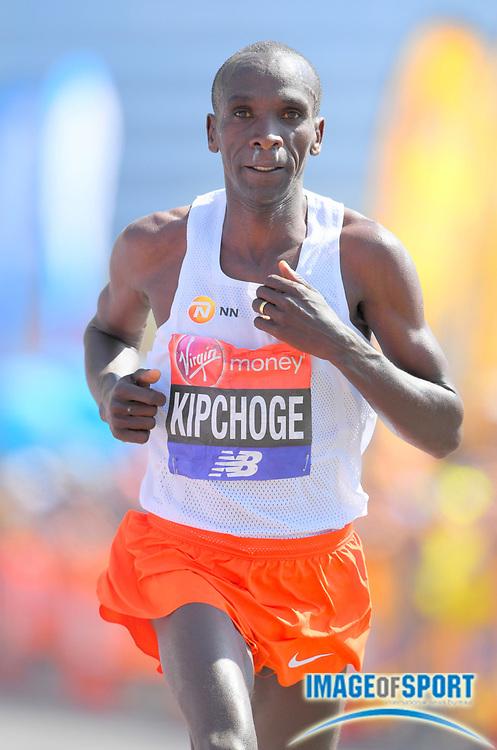 Eliud Kipchoge (KEN) wins the London Marathon in 2:04:17  in London, Sunday, April 22, 2018. (Jiro Mochizuki/Image of Sport)