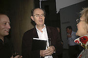 Richard Cork, Undercover Surrealism - private view, Hayward Gallery, South Bank, London,. 9 May 2006. ONE TIME USE ONLY - DO NOT ARCHIVE  © Copyright Photograph by Dafydd Jones 66 Stockwell Park Rd. London SW9 0DA Tel 020 7733 0108 www.dafjones.com