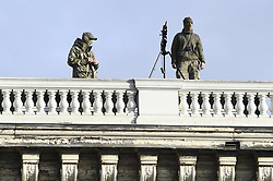 November 11, 2018 - Brussels, BELGIUM - Security pictured at a World War I commemoration at the 'Tomb of the Unknown Soldier' monument in Brussels, Sunday 11 November 2018. On 11 November 1918 the Armistice was signed, marking the end of World War I. ..BELGA PHOTO LAURIE DIEFFEMBACQ (Credit Image: © Laurie Dieffembacq/Belga via ZUMA Press)