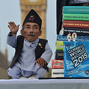 World's Shortest Man Dies : Discovery News http://news.discovery.com/human/life/worlds-shortest-man-dies-150905.htm