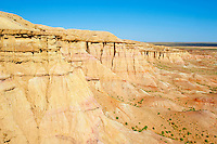 Mongolie, Province de Dundgov, desert de Gobi, Tsagaan Suvraga ou Stupa Blanc // Mongolia, Dundgov province, Tsagaan Suvraga or White Stupa