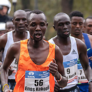 20-10-2019: Atletiek: TCS Amsterdam Marathon: Amsterdam  Beethovenstraat , Leading group men, km9, Enos Kakopil
